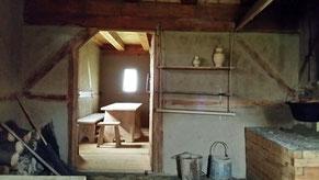 Rekonstruktion einer hochmittelalterlichen Küche im Geschichtspark Bärnau