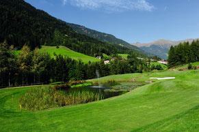 Gebirgslandschaft um den Golfclub Passeier.Meran