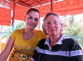 Mittagspause bei Mira, der Tochter des Dorf-Metzgers