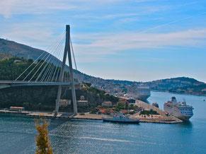 die grosse Hängebrücke vor Dubrovnik