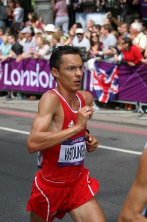 Günther Weidlinger beim Olympia-Marathon 2012 kurz vor seinem Ausscheiden