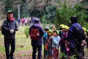 途中で保育園児にアンパンマン先生~と囲まれて大喜びの会長