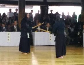 今大会、安倍 名誉師範は二度の立合いを披露された。(写真提供:吉田大樹 先輩)