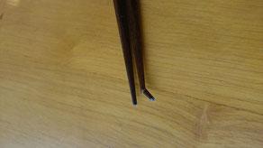 折れた箸は塗り直せます。