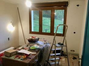 Pendant la rénovation d'une chambre à Tournon  73460, par Arnaud, électricien
