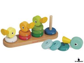 Die Besonderheiten im Janod Paket ist, dass die motorischen Fähigkeiten spielerisch mit den vier bunten Enten gefördert werden.