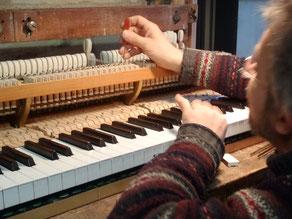 Réglage de la rechute sur un piano à queue : cliquez ici pour agrandir
