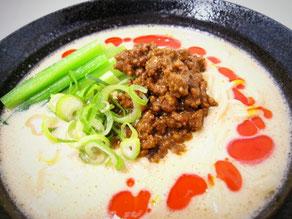 芝麻醤たっぷりの特濃胡麻白麺