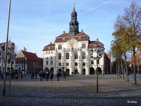 Marktplatz, Blick zum Rathaus