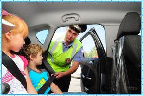 С 12 июля новые правила по перевозке детей в авто