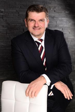 Geschäftsführer Hettwer UnternehmensBeratung GmbH Beratungskompetenz www.hettwer-beratung.de Beratung Experte Berater Profil Freiberufler Freelancer Spezialist Projektmanagement Strategie Prozesse