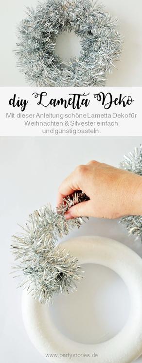 Bild: DIY Lametta Deko Ring - Mit dieser Anleitung schöne Lametta Deko für Weihachten und Silvester als Ring ganz einfach, günstig und kreativ selber machen // gefunden auf www.partystories.de // #partydeko #diydeko #silvester #silvesterparty #lametta
