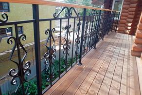 Металлическое ограждение балкона