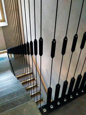 лестница с креплением на тросах