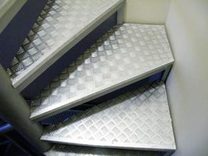 Винтовая техническая лестница