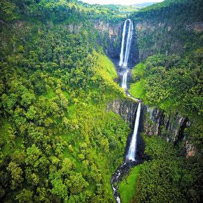 Cascate Karuru o Karura. Parco Nazionale Aberdare.
