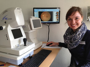 Unsere Optometristin Sarah Marie Gloyer empfiehlt regelmäßiges optometrisches Screening, speziell bezüglich des Glaukoms. Vereinbaren Sie einen Termin!
