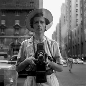 © Vivian Maier/Maloof Collection, Courtesy Howard Greenberg Gallery, New York.