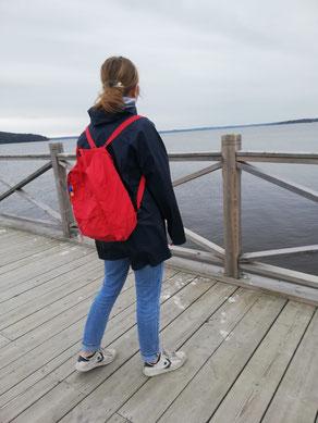 Klara Santel auf dem Steg in Skarholmen.
