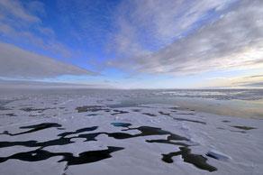 Imagen aguas océano Ártico / PIXABAY