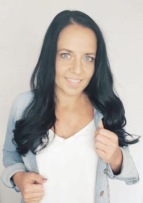 Stephanie Gehindy ist Dirketvertrieblerin und verkauft Schmuck aus Leidenschaft auf Homepartys und Schmuckpartys