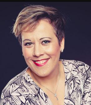 Bettina Maus ist Leiterin einer Kinderstagesstätte in Frankfurt und selbständige Schöheitsconsultant (Mary Kay Beauty Consultant) mit Mary Kay.