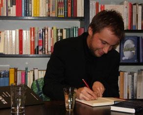 Benjamin Lebert signiert Bücher bei Slawski