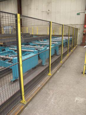 Maschinenschutzgitter topgerade auf Stahlträgerfundament