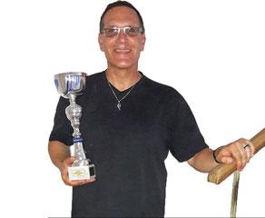 Jörg Wunsch mit Pokal