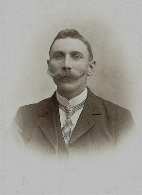 Franz Sternberg (Millimeterfranze), Foto um 1900
