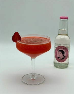 Red Butterfly, Mocktail Red Butterfly, Red Butterfly Mocktail, Thomas Henry Cherry Blossom, Thomas Henry Cherry Blossom Tonic, Thomas Henry Kirschblüten Tonic