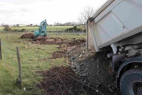 création accès chantier avec camion benne et tractopelle