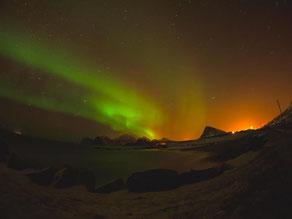 Polarlichter (oder auch Nordlichter, Aurora Borealis) und die entsprechenden Erscheinungen in den südlichen Polarregionen veranschaulichen sehr schön einige Aspekte, die im Sonderforschungsbereich SFB 963 untersucht werden. Foto: privat