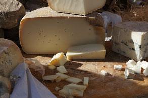 Käseträume auf dem Wochenmarkt / les fromages du marché