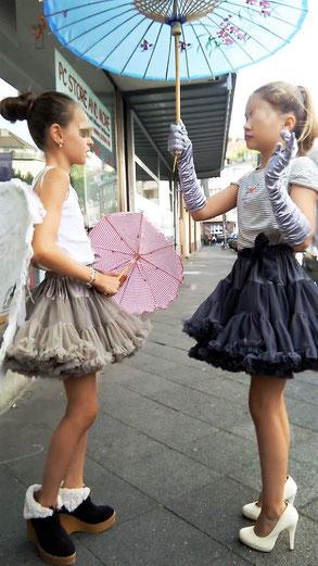 Mädchen beim Fotoshooting bei ELA EIS Düsseldorf