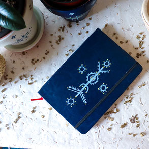 carnet artisanal bleu, motif tatouage berbère, papeterie, cadeau