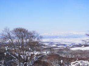 眼下に広がる雄大な冬景色