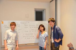 笑顔あふれる栄駅前の格安英会話教室。ここはサークルやカフェのように楽しめる語学教室です。