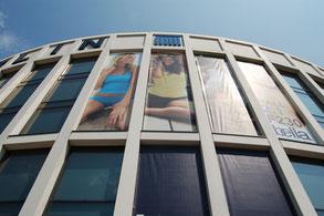 Wir montieren Banner auch an Ihrer Fassade.