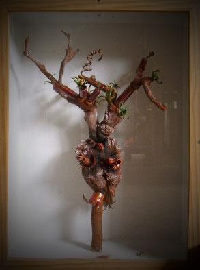 bois, racines, éléments émaillés, peinture acrylique