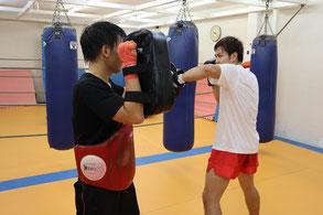 キックボクシング 体験トレーニング