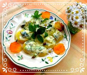 Essbare Blüten mit Pellkartoffeln, Ilona M. Schütt