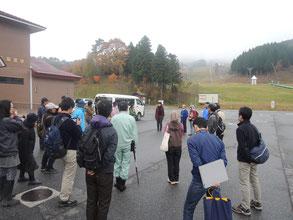 参加者は主に県南から。新見千屋温泉いぶきの里に集合!