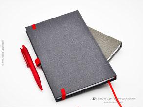 Taccuino personalizzato su misura, particolare retro copertina con elastico