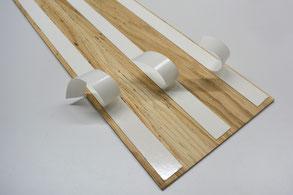 Beispiel selbstklebende Holzpaneele, Wandverkleidung