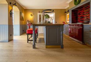 S. Fischbacher Living - Schlossdielen/XXL-Dielen, Eiche strukturiert, Farbton Clear White