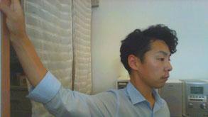 繰り返す首痛に悩む奈良県御所市の男性