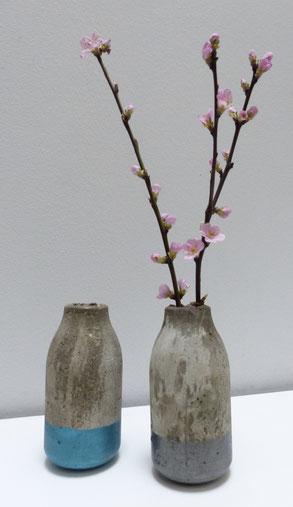 Vasen von Betonmädchen versch. Farben je 16,00€