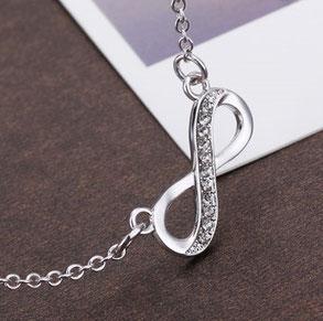 Halskette mit Infinityzeichen, Halskette mit Unendlichkeitszeichen