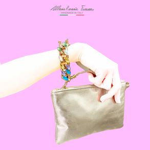 borsa in pelle oro platino modello viola con manico in catena e cristalli multicolore by Mariarosaria Ferrara Ischia.